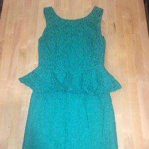 Bisou Bisou - lace peplum dress